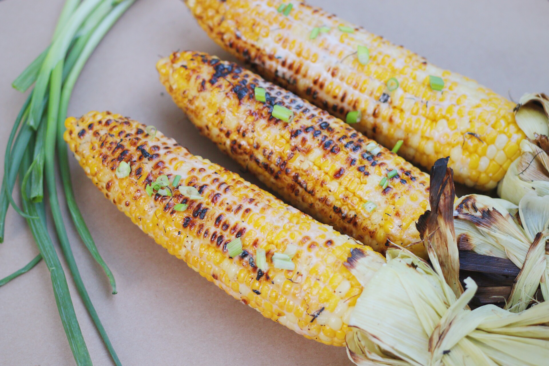 Look at the charred on the corn. That's the best part. The coconut milk has caramelized and gave a nice crisp bite to the corn.
